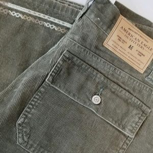 🆕️NWOT. AMERICAN EAGLE Flat Front Cords!